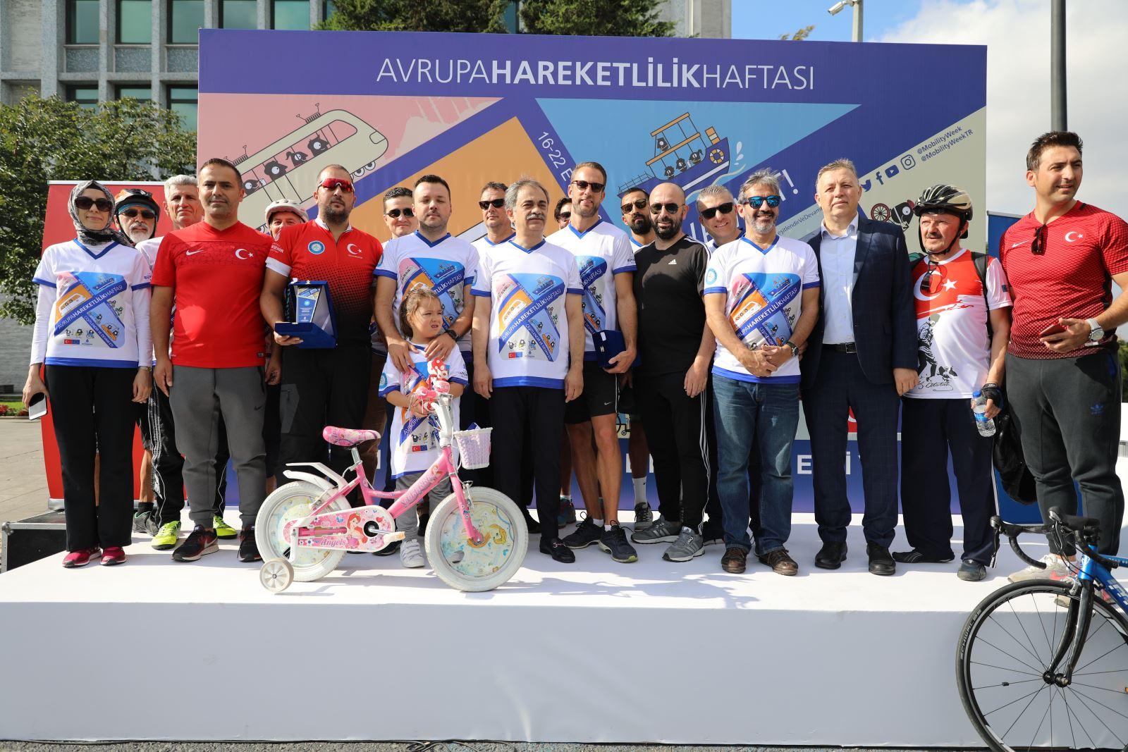 """AVRUPA HAREKETLİLİK HAFTASI KAPSAMINDA """"BİSİKLET TURU"""" DÜZENLENDİ"""