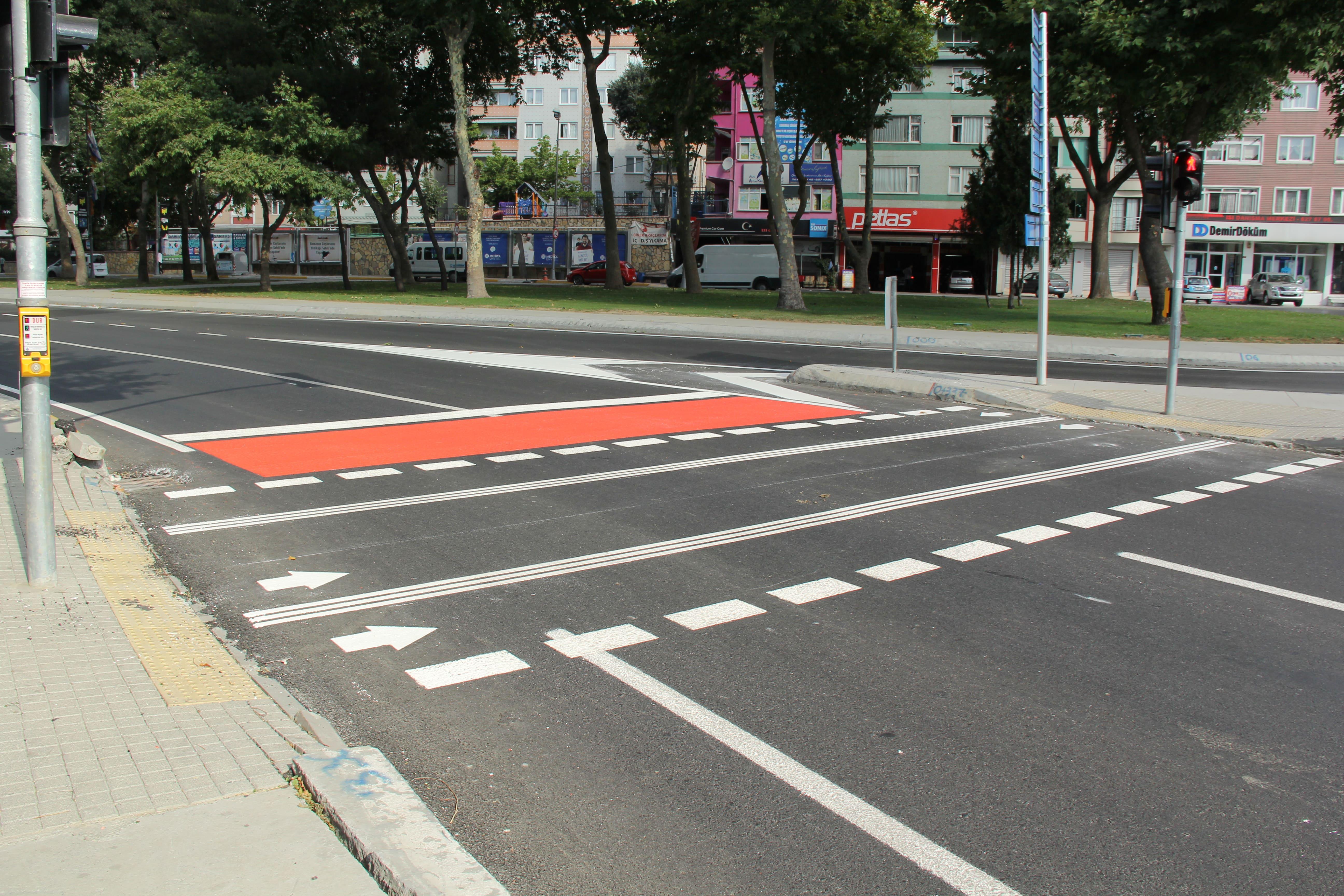 İstanbul Büyükşehir Belediyesi Yatay İşaretleme Çalışmaları