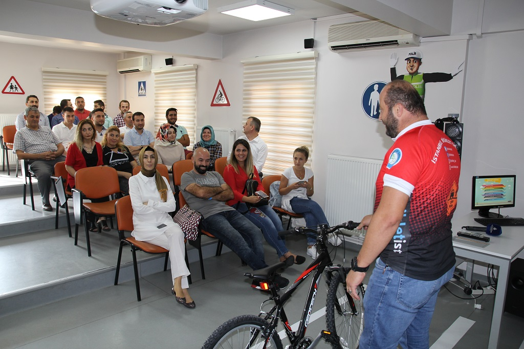 """Akılllı Hareketlilik Haftası Kapsamında """"Yetişkinler İçin Bisiklet Kullanımı Eğitimi"""" Gerçekleştirildi"""