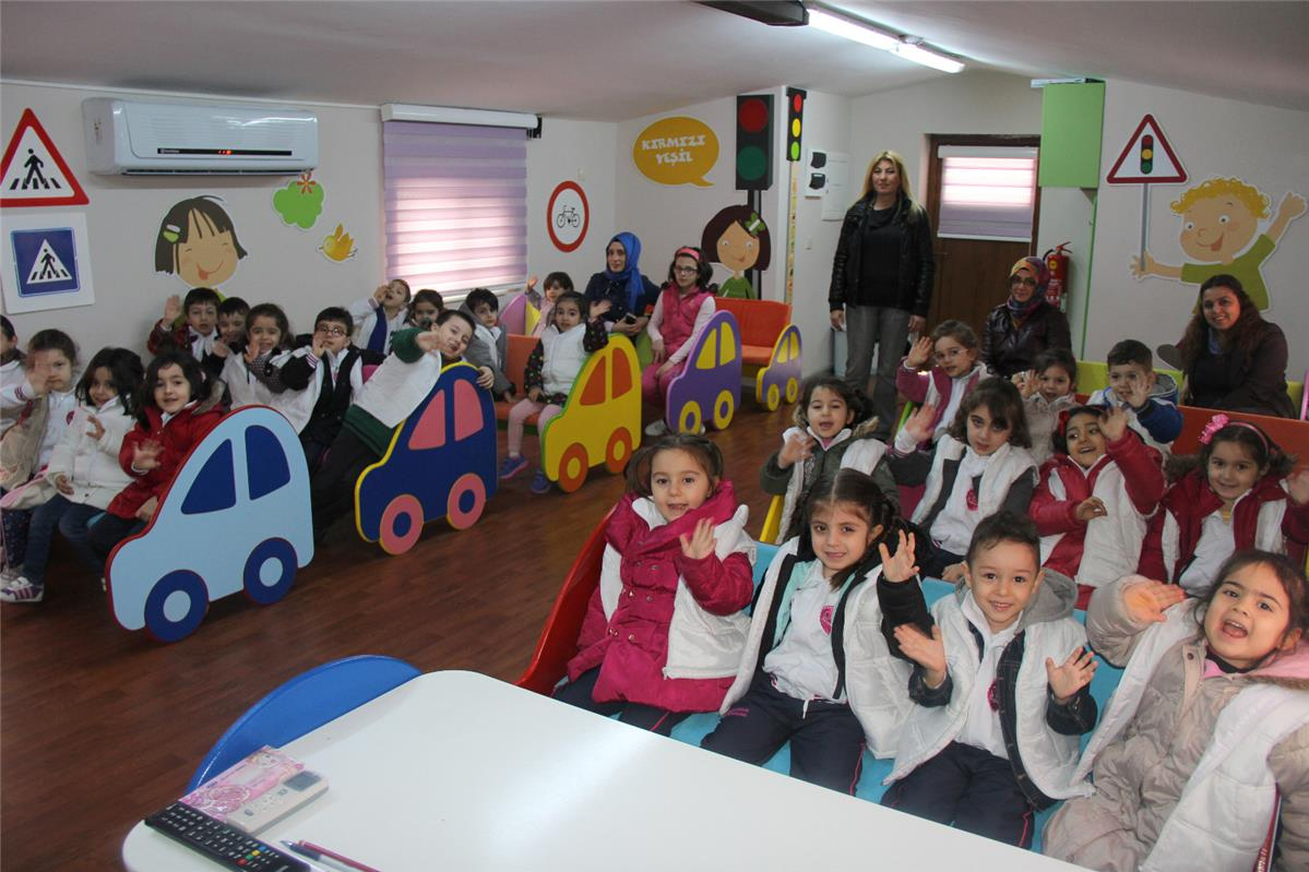 Okul Öncesi Öğrencilerine Verilen Trafik Eğitimi