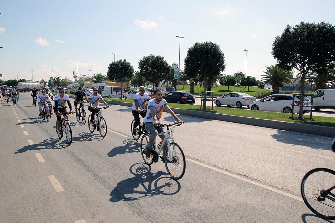 """Avrupa Hareketlilik Haftası Etkinlikleri Kapsamında """"Otomobilsiz Kent Günü"""" Kutlandı"""